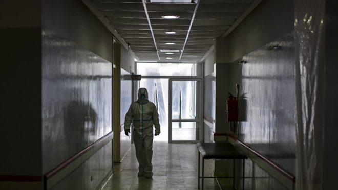 Casos de coronavírus estão subindo diariamente em Curitiba.